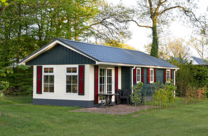 What Are Mobile Homes and How Are They Sold?